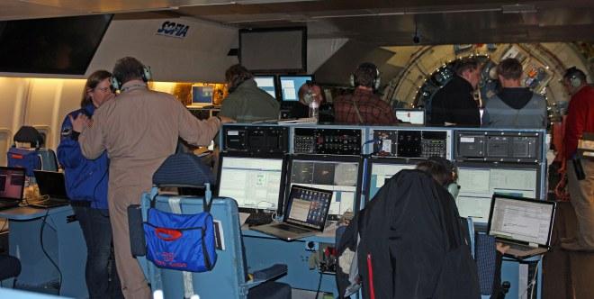 Blick von der EPO-Konsole auf die Aktivitäten an Bord.